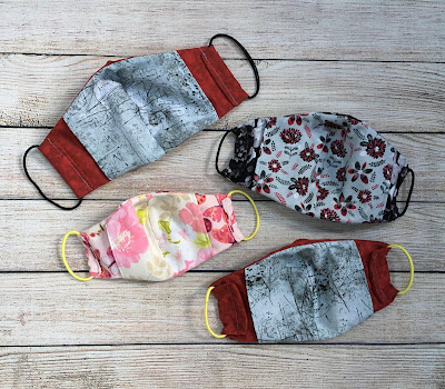 Inside pocket of face masks sewn from cotton fabric according to the Olson pattern