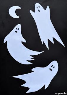 trzy duchy z białego papieru