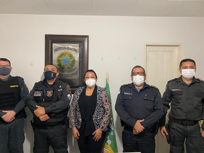 Prefeita Sandra Jaqueline recebe comandantes da Polícia Militar do 10º BPM, da 2ª CPM, e do destacamento policial local