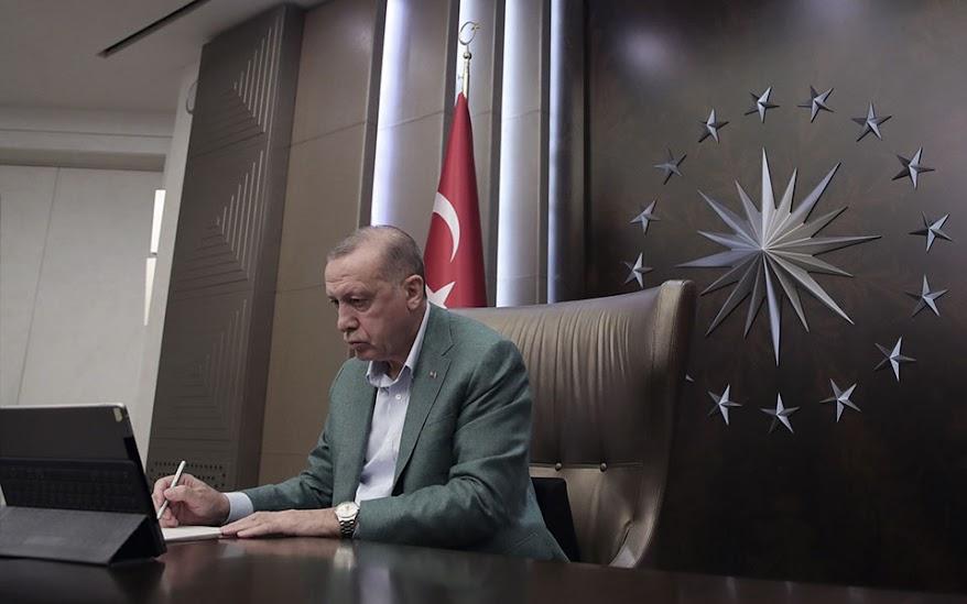 Οι δημοσκοπήσεις πιέζουν τον Ερντογάν προς την Ευρώπη