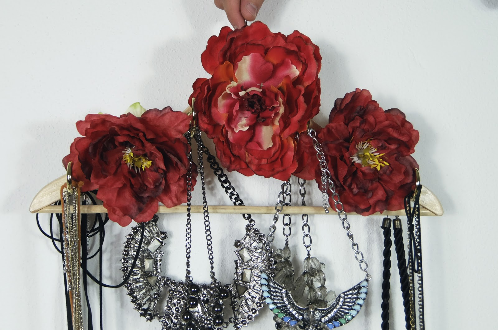 slow fashion how to make necklace display organizer