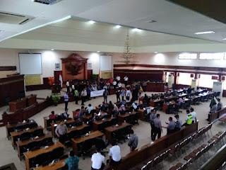 Kunker Luar Negeri Dewan Tuai Aksi Demo HMI, Bardam Nusa dan LMND