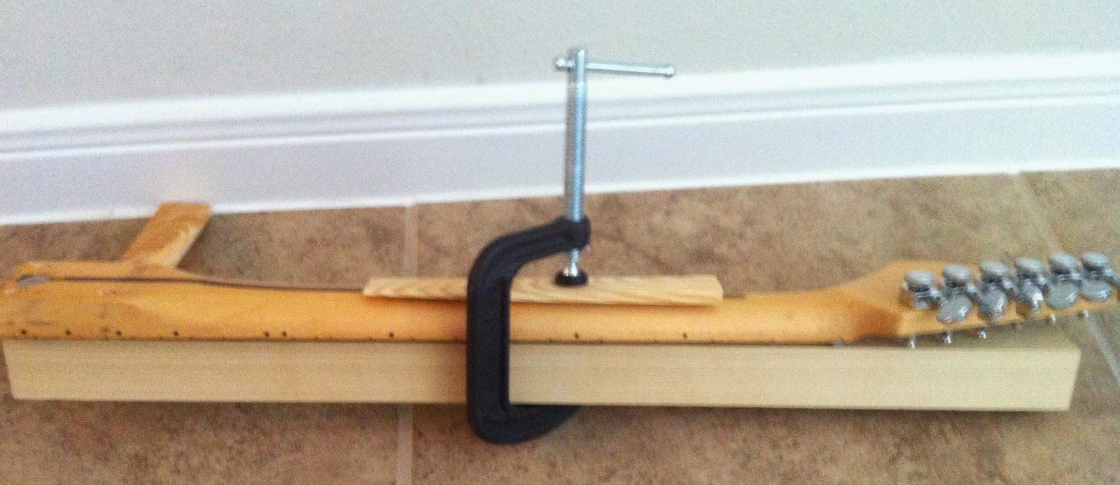 Guitar Neck Back Bow : fender bender how to fix a neck bow ~ Vivirlamusica.com Haus und Dekorationen