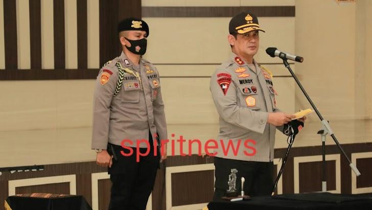 Polda Sulsel Gelar Upacara Sertijab Karumkit Bhayangkara TK II Ujung Pandang Biddokkes Polda Sulsel