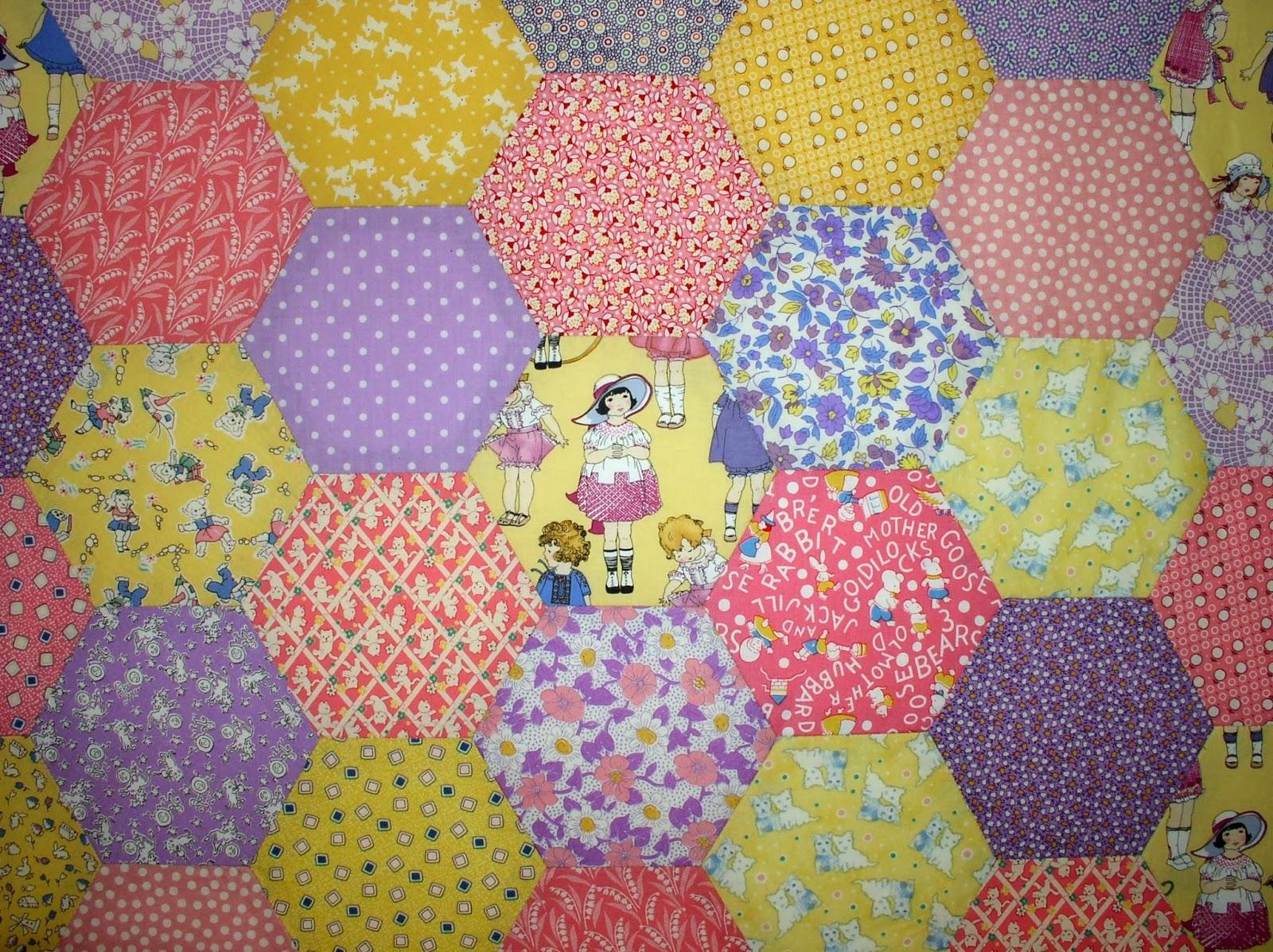LuAnn Kessi: Hexagon Baby Quilt.......Top Done : hexagon baby quilt - Adamdwight.com