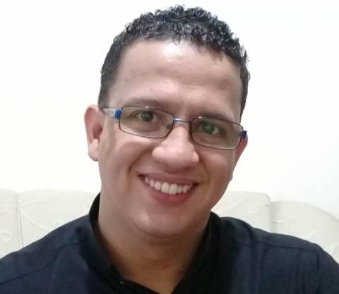 Padre de Malhada sofre acidente na BR-030 em Palmas de Monte Alto