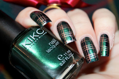 A Tartan Nail Art inspired by Outlander