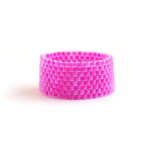 купить кольцо молодежное розового цвета очень интересные украшения из бисера цена