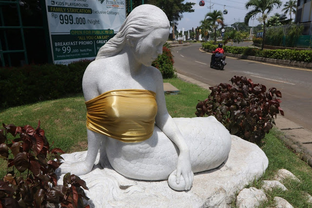 Patung Putri Duyung di Ancol