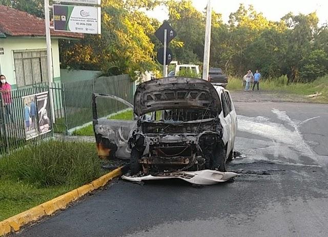 Adolescente de 14 anos coloca fogo em carro do Conselho Tutelar de Imbituva