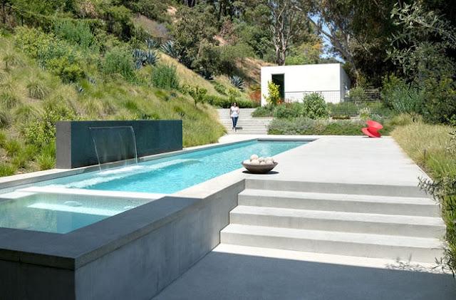 Residencia contemporanea y minimalista en beverly hills for Casa minimalista harborview hills
