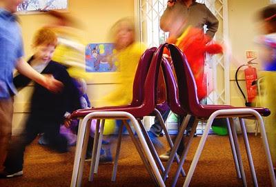 aprende ingles juego la silla musical chairs