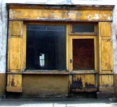 Photo de belles portes et fenêtres d'Auvergne Pionsat