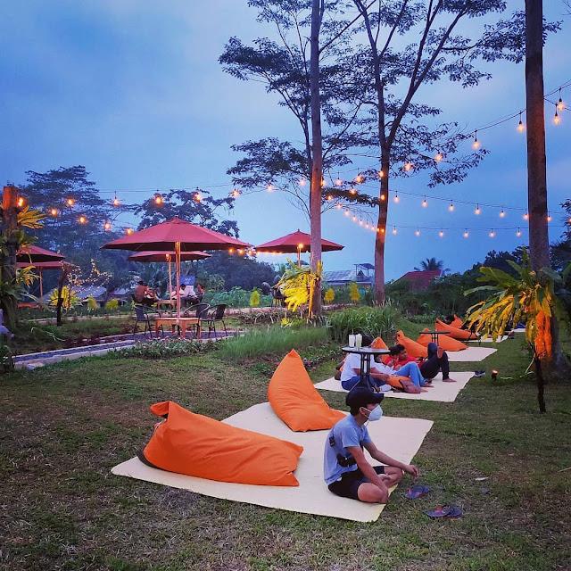 Jatuh Hati Cafe & Resto Sentul Bogor