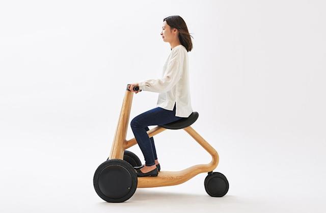 【新聞】日本實木三輪電動車 結合自然與科技