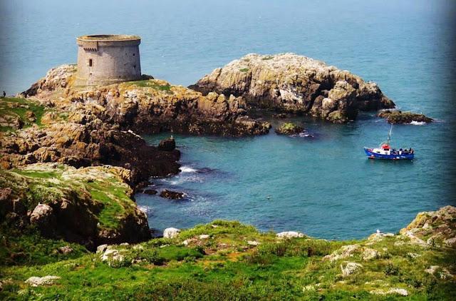 Day trip to Ireland's Eye Island - Martello Tower