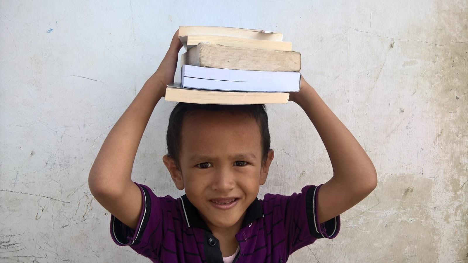 Menumbuhkan Minat Baca pada Anak