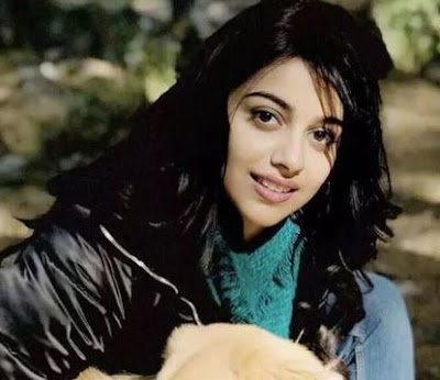 Banita Sandhu Images, Banita Sandhu Pictures, Banita Sandhu Wallpapers