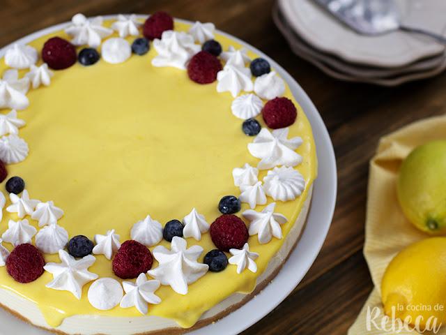 Tarta fría de queso y limón (lemon curd cheesecake)
