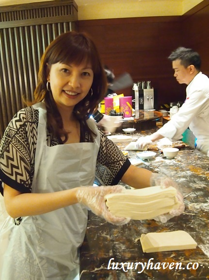 mooncake making workshop resorts world sentosa