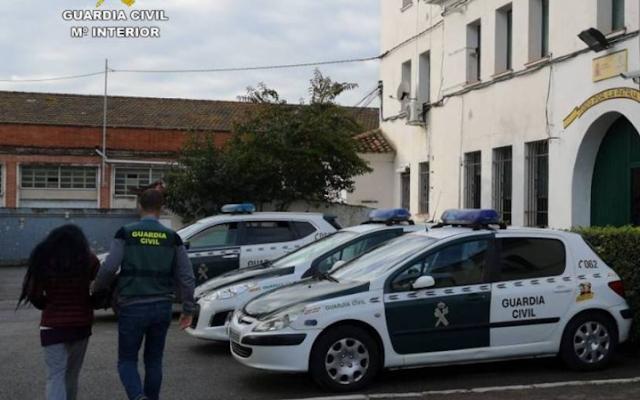 Guardia Civil desmantela en Alicante una red que concertaba matrimonios de conveniencia