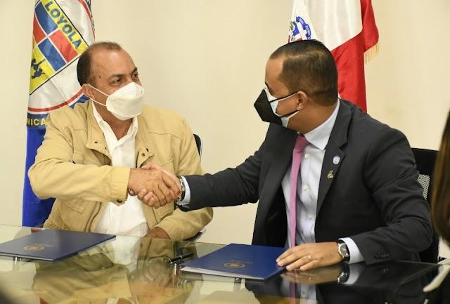 Instituto Politécnico Loyola y Cámara de Comercio y Producción de San Cristóbal firman convenio