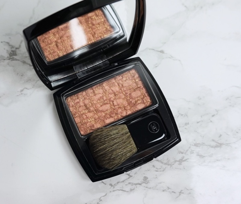 Chanel LEs Tissages de Chanel 140 Tweed Beige swatch review