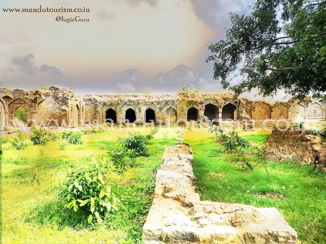 Lal Mahal  ( The Summer Palace  )