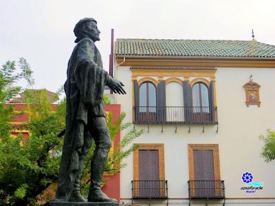 Sevilla - Plaza de los Refinadores - Monumento a Don Juan 02