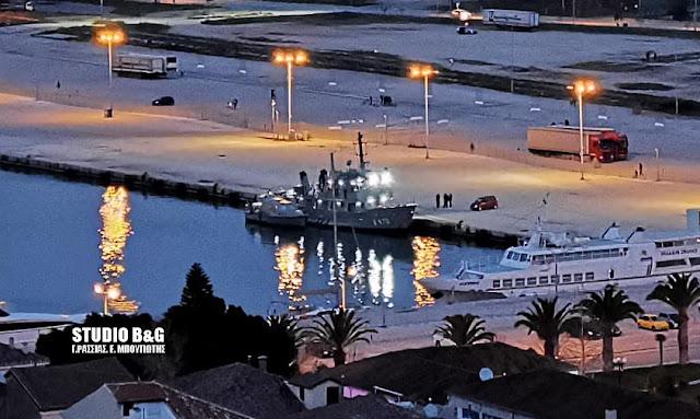 Σκάφος του Πολεμικού Ναυτικού στο Ναύπλιο για την αποτύπωση της εκβάθυνσης του λιμανιού