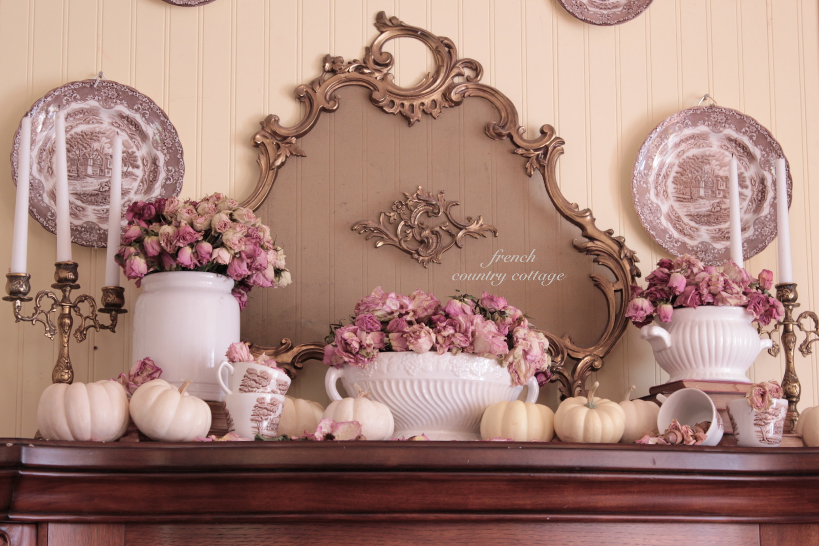 Nude Wandfarbe Romantic Autumn Mantel French Country Cottage