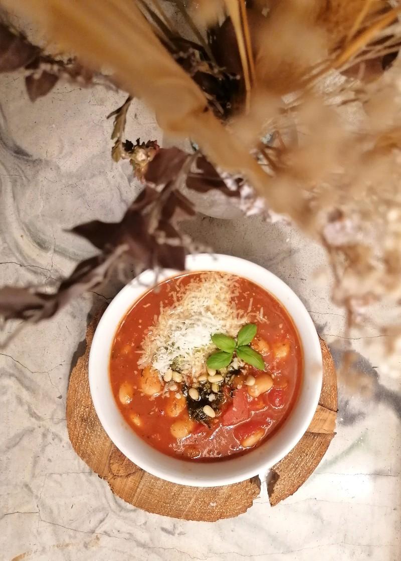 Tomaatti-papukeitto