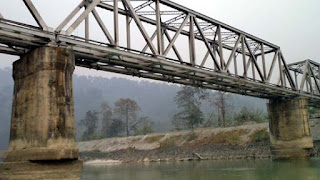Railway bridge over Teesta at Sevoke