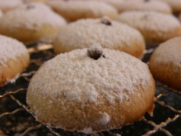 Kourabiedes - Rezept für griechische Mandelplätzchen