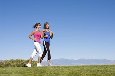 Đi bộ là một cách giúp giảm béo nhất