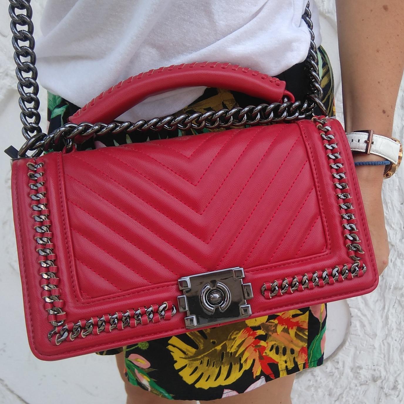 b86964e023 Κόκκινη τσάντα τύπου Chanel Boy bag