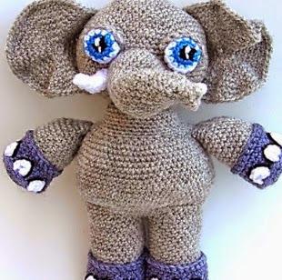 http://patronesamigurumipuntoorg.blogspot.com.es/2014/04/la-elefante-eli.html