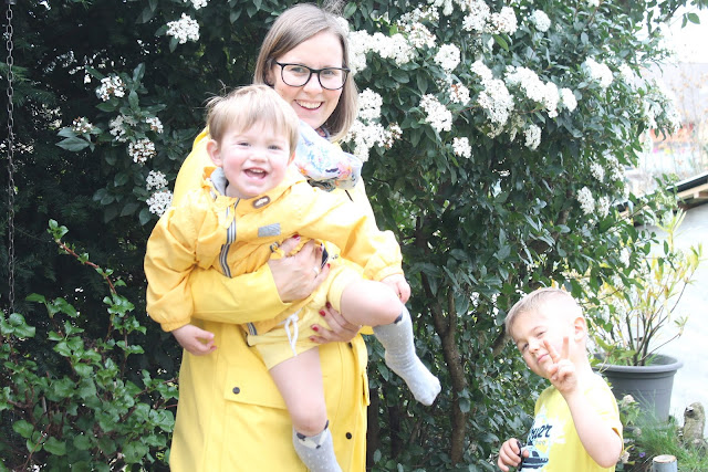 Partnerlook Mama und Jungs Trendfarben gelb Shirts Rucksack Bagger Auswahl tausendkind fuer Jungs Jules kleines Freudenhaus