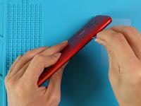 Cara Membuka Casing Belakang dan Mengganti Baterai Xiaomi Redmi 8A