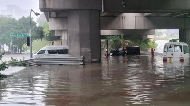 Diguyur Hujan Lebat, Jalanan di Singapura Berubah Jadi Sungai