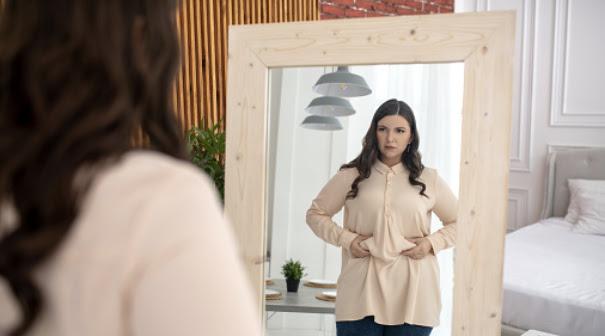mujer-barriga-espejo