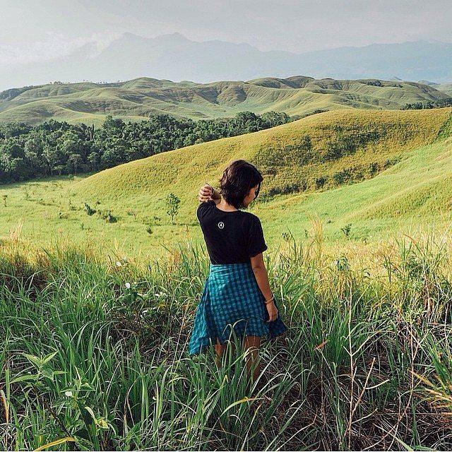 foto indahnya sentani lake di papua
