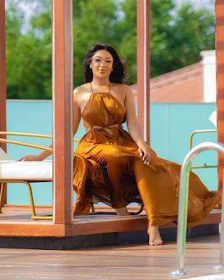 Dabota Lawson fashion and style looks latest