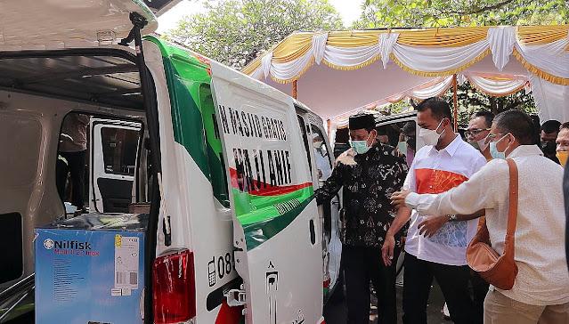 Mobil Pembersih Masjid Disumbangkan Yayasan Haji Anif ke Pulau Bali