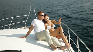 Mount Up on the Cheapest Yachts Rental Dubai to Wave Amidst the Broad and Open Ocean Rapturously