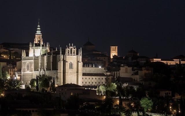 Catedral de Noche :: Canon EOS5D MkIII | ISO100 | Canon 70-200@200mm | f/8.0 | 6s