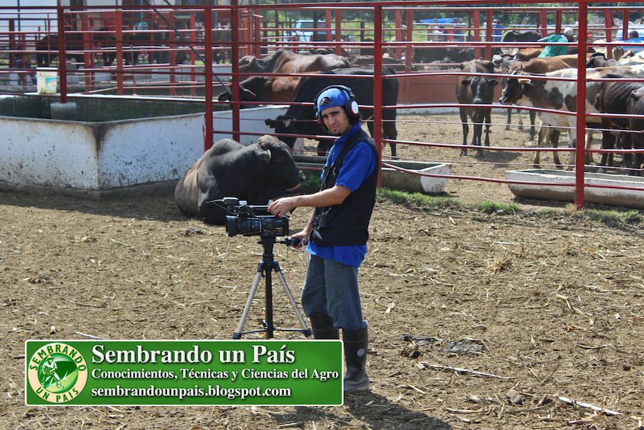 Fran Afonso camarógrafo de Sembrando un País