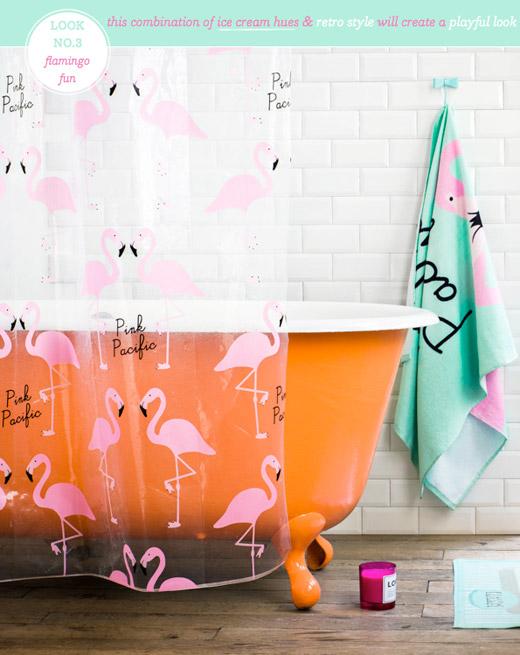 Salle de bain avec rideau de douche transparent motif flamant rose