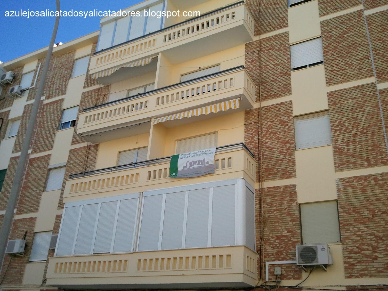 Azulejos alicatados y alicatadores febrero 2013 for Edificio de los azulejos