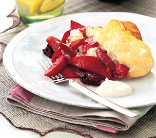 Apple Berry Souffle Omelet Recipe